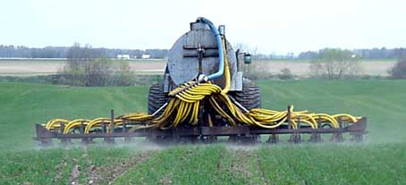 Manure disc harrow with extended service life