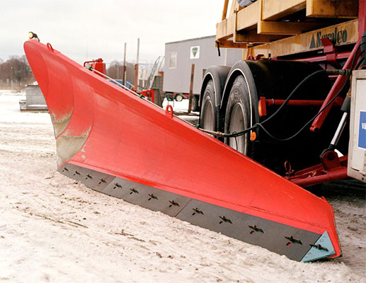Snow plough shear blade with extended service life