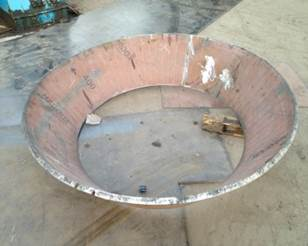 Cone crusher cone with long service life
