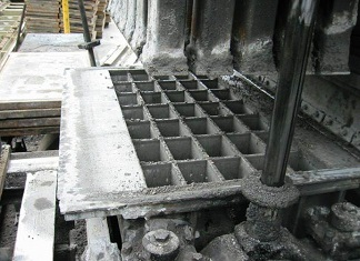 Concrete molds for paving stones with long service life