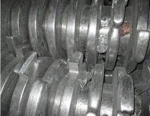 Coltelli per trituratori con una lunga durata utile utilizzati nel riciclaggio dei rifiuti elettronici