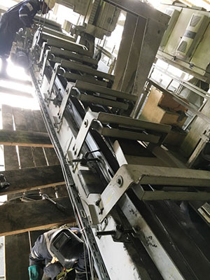 Liner to cement plant stacker with better service life