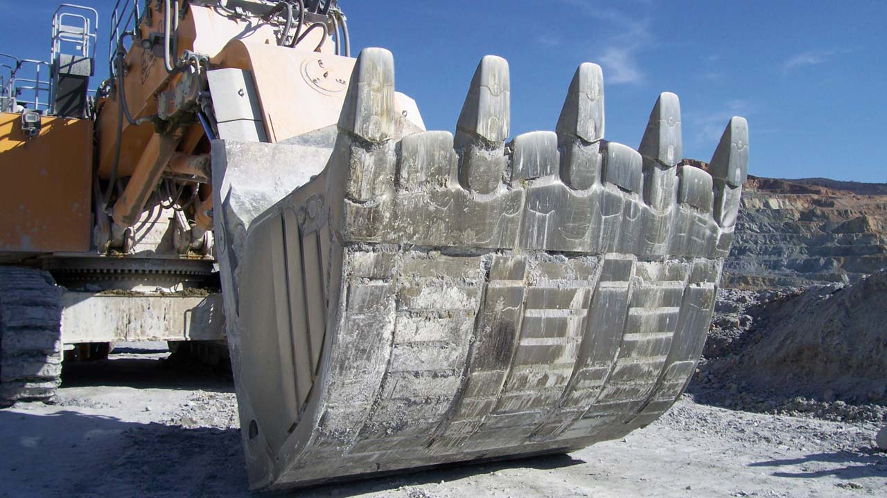Aşınmaya dayanıklı çelikli kova