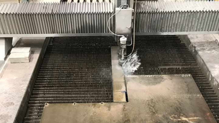 Řezání vodním paprskem
