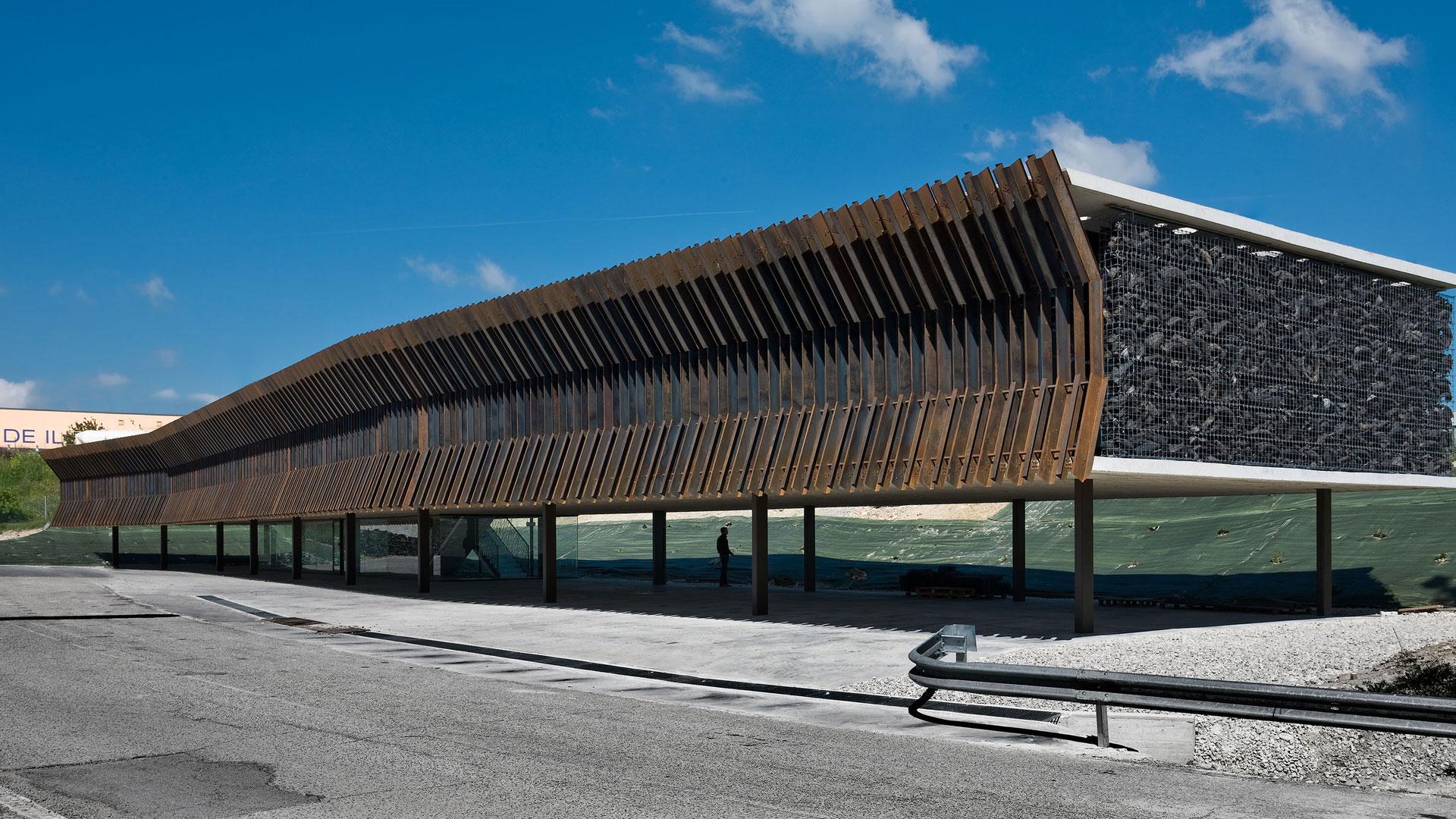 Centrála společnosti Audenasa z oceli COR-TEN®
