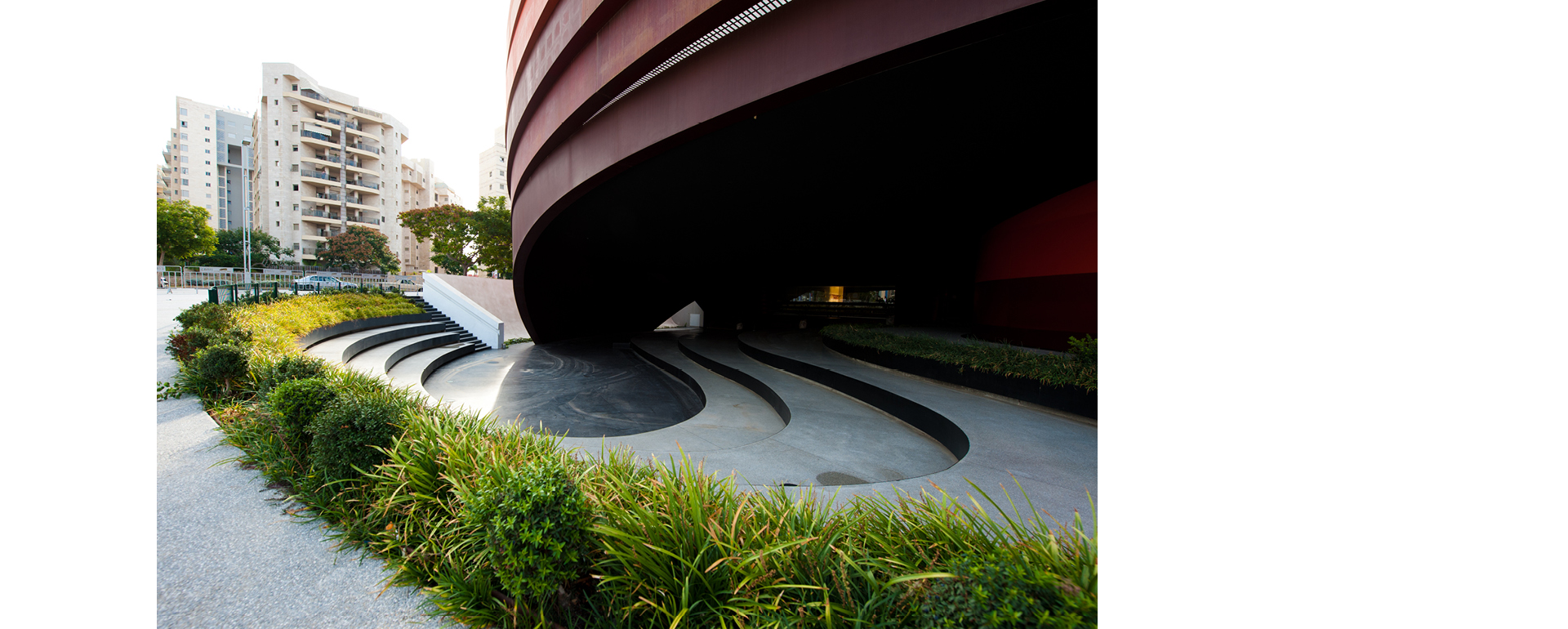 COR-TEN® - Museo de Diseño Holon