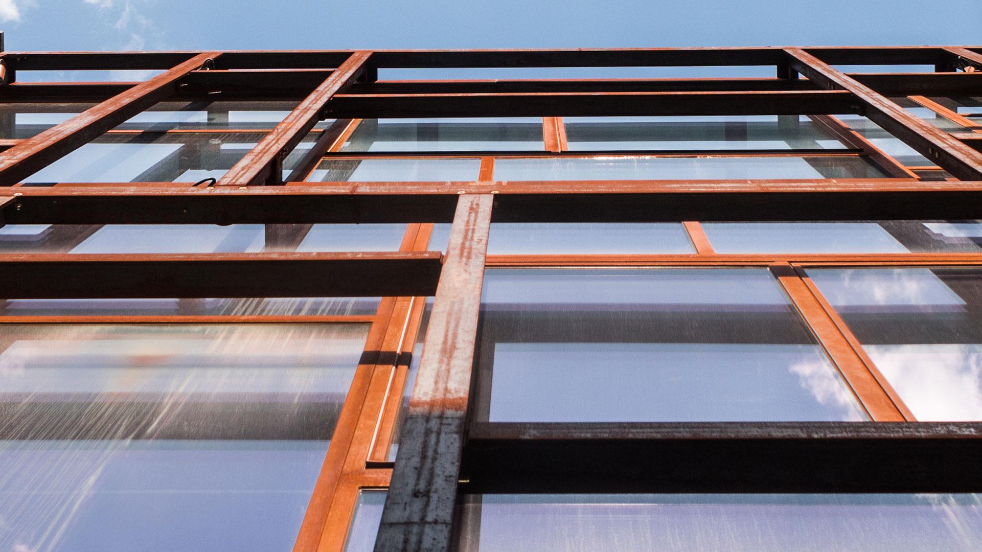 Galerie Layered z oceli COR-TEN®