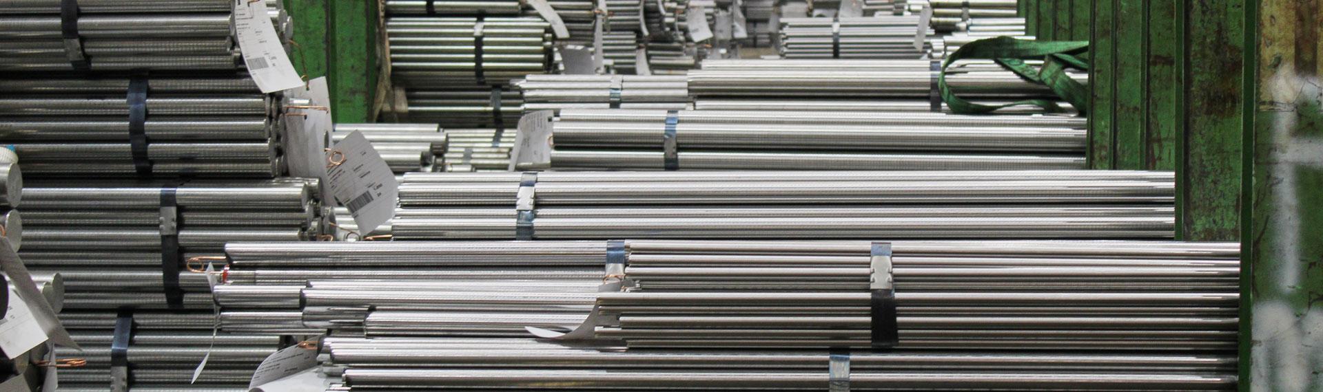 Skladovací kapacity společnosti WSB zaručují plynulost zpracování a efektivitu toku materiálu k zákazníkům. Zákazníci si mohou materiál vyžádat vždy, když jej potřebují.