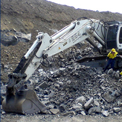 """<image mediaid=""""{8F7D8046-6A5C-4E6B-93D6-1400D12E62D8}"""" alt=""""Excavation equipment loses weight, gains better image"""" height="""""""" width="""""""" hspace="""""""" vspace=""""""""></image>"""