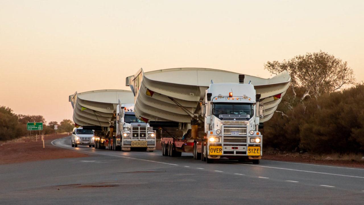 Dva nadměrné náklady – přeprava koreb Hercules
