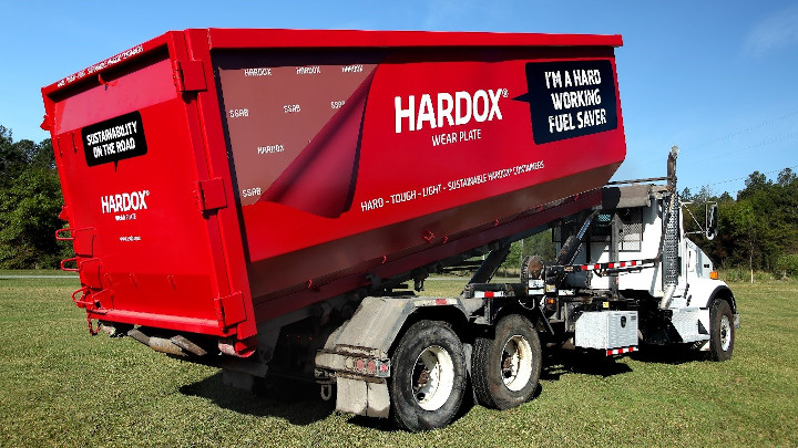 A full fleet of containers made with Hardox wear plate services the steel mill in Alabama ensuring economic and environmental savings