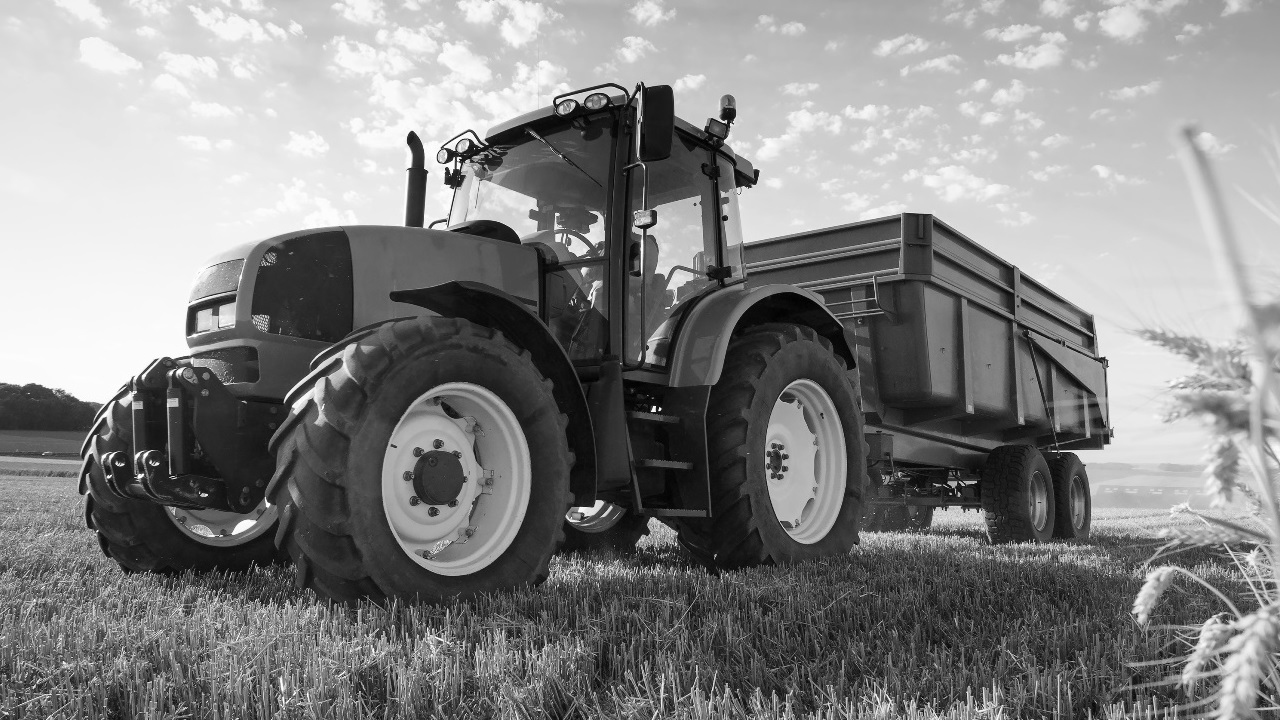 Tractor - agriculture equipment