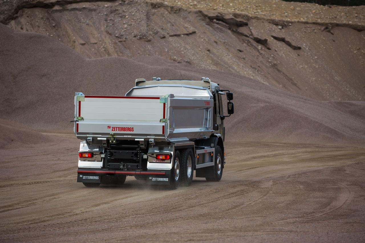 Kipp-Lkw aus Hardox® 500 Tuf mit einer konischen Seitenkonstruktion