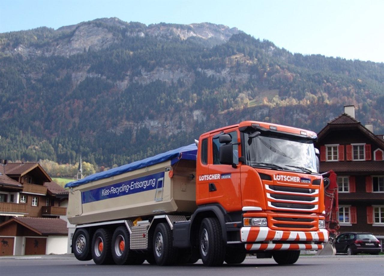 Caminhão basculante feito com Hardox® 500 Tuf com design de painel lateral cônico