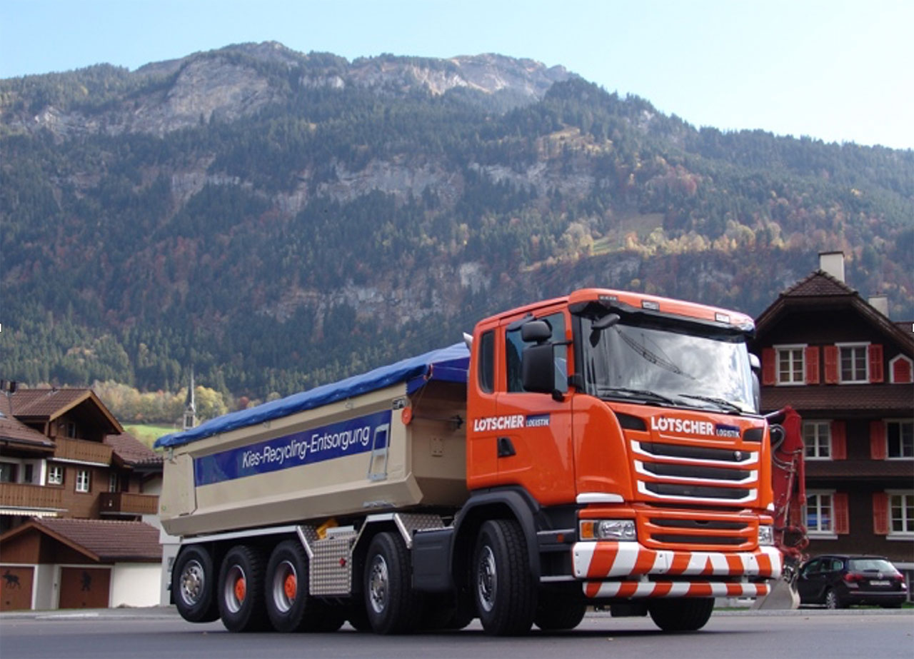 Tipper truck in Hardox® 500 Tuf with a conical side panel design