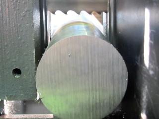 corte por serra das barras redondas