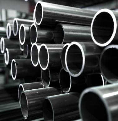 Canos e tubos de aço resistentes à abrasão.