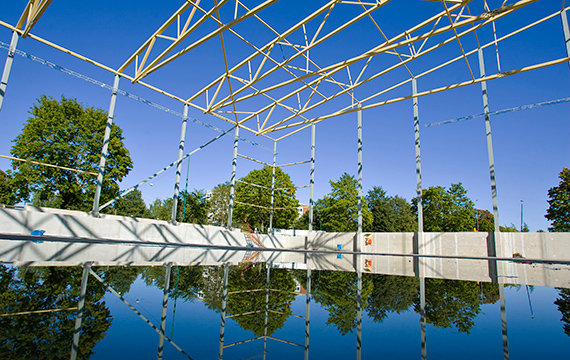 Lighter and more cost efficient trusses with hybrid design