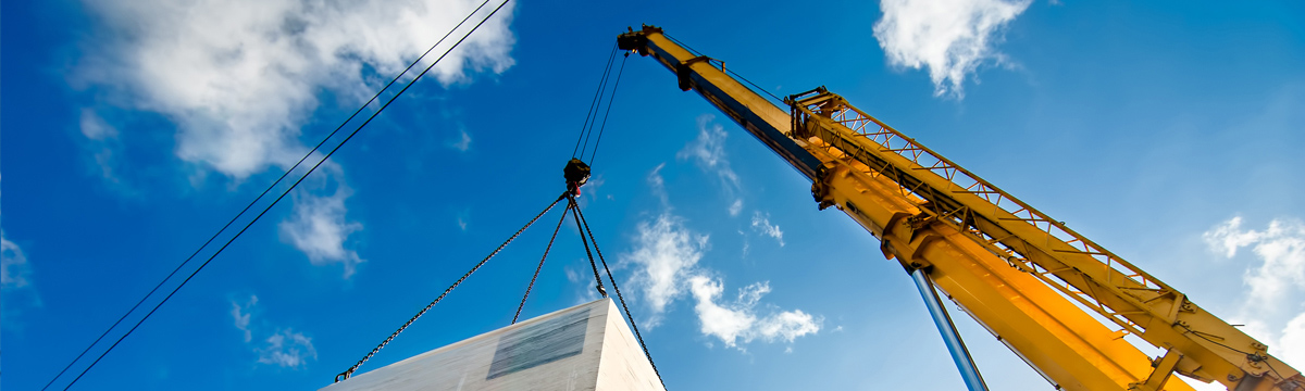 High-strength steel in lifting equipment and devices