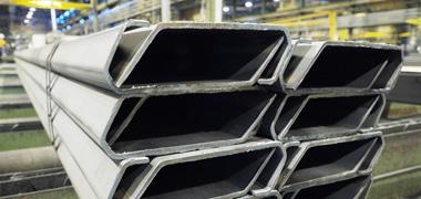 SSAB鋼材製高品質ロール成形トップレール