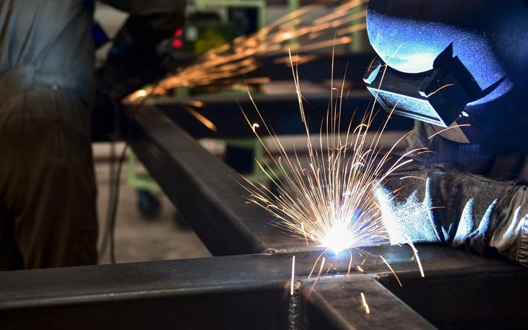 Les propriétés homogènes de l'acier SSAB Multisteel offrent des avantages considérables.