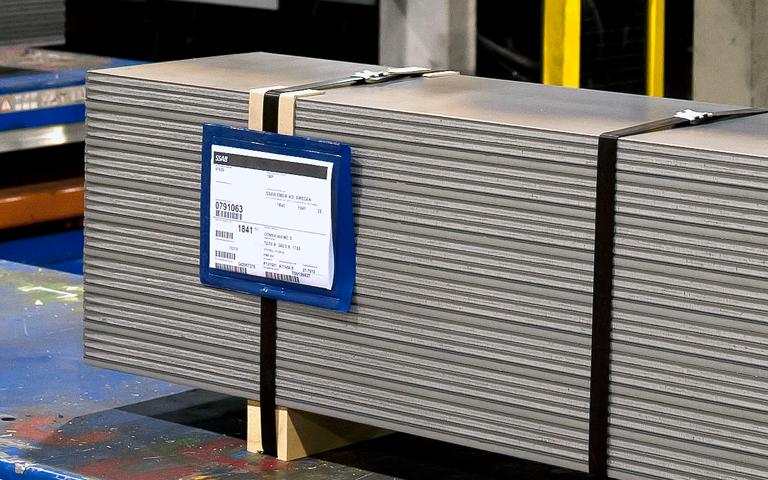 La fascia ristretta di tolleranze garantisce eccellenti proprietà di lavorazione, saldatura e piega, rendendo Multisteel l'acciaio da lavoro ideale