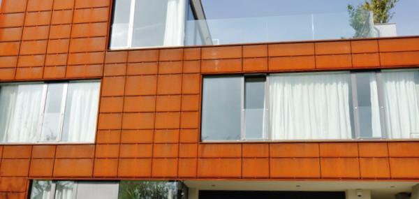 Povětrnostně odolná ocel SSAB a ocel COR-TEN® pro budovy a uměleckou tvorbu