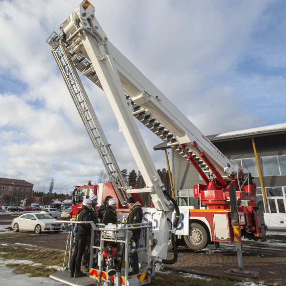 Bronto Skylift pushes the limit with SSAB's new Strenx